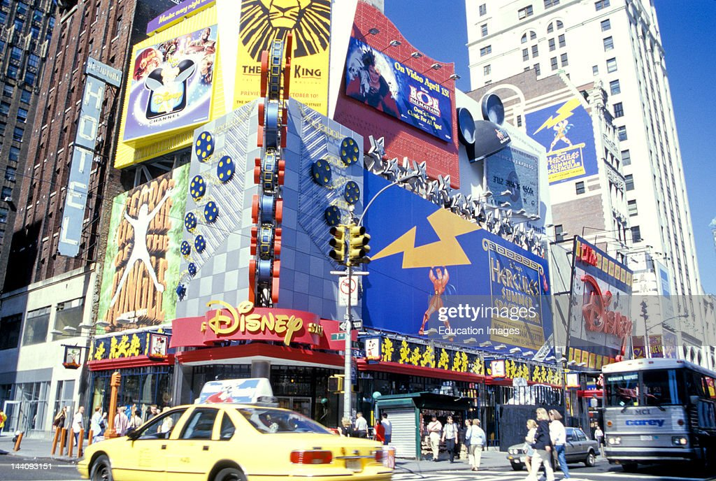 new york new york times square disney store covered with photo d 39 actualit getty images. Black Bedroom Furniture Sets. Home Design Ideas