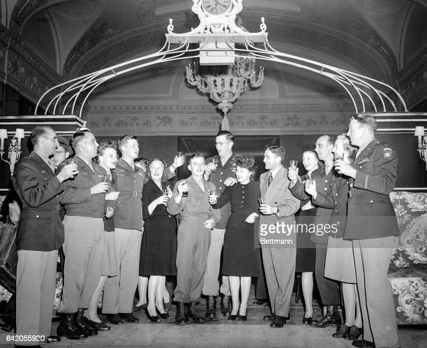 10/1/1945 New York NY A rendezvous made in Europe over a year ago between officers of the 82nd Airbourne Division Red Cross Girls Nurses was kept...