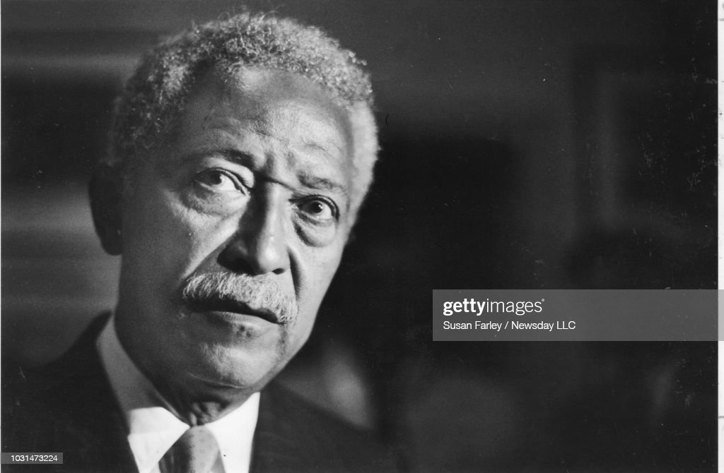 david dinkins speaks to the media on sept 6 1989 at the 21 club in news photo getty images https www gettyimages co uk detail news photo david dinkins speaks to the media on sept 6 1989 at the 21 news photo 1031473224