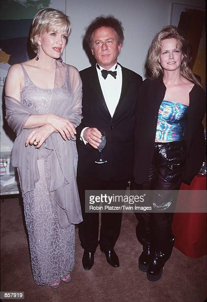 New York NY Diane Sawyer Art and Kim Garfunkel at the Avery Fisher Hall Lincoln Center for the Film Society Gala Tribute to Mike Nichols Photo by...