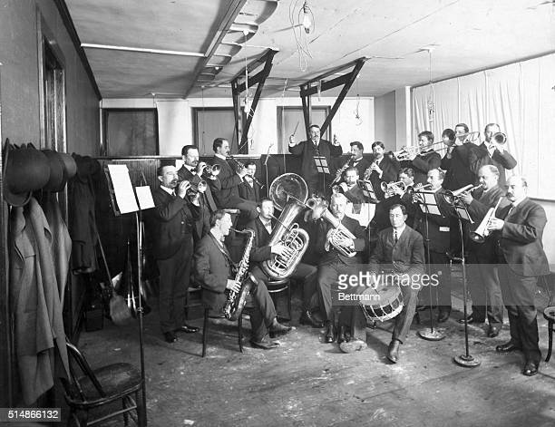 Gramophone recording session in Edison Studio in New York Brass band performing Photograph ca 1908