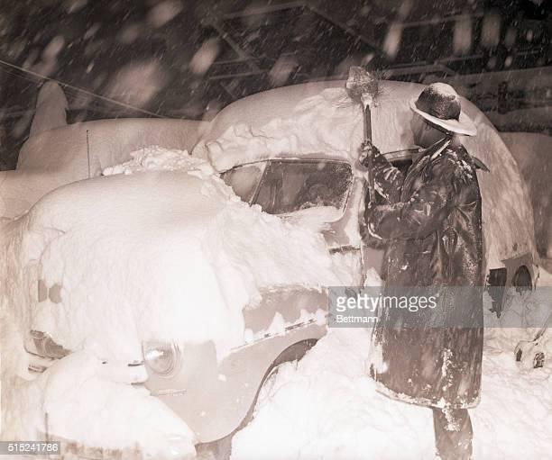 Snow Shovel ストックフォトと画像