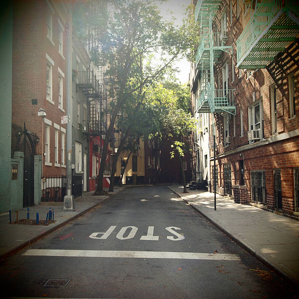New York On Idealic Street Wall Art