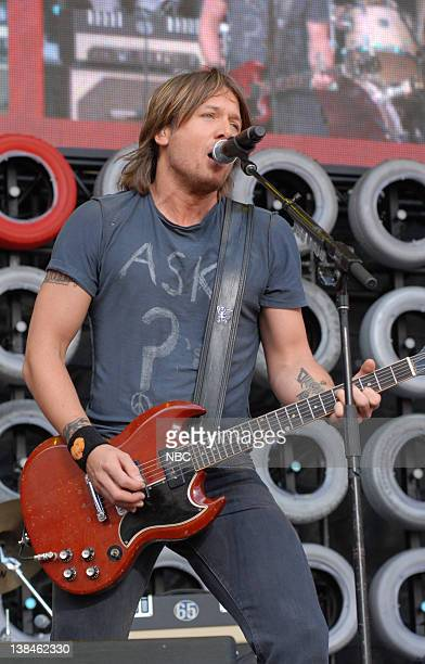 Musician/singer Keith Urban performs on July 7 2007 Live Earth is a music event that will bring together more than 2 billion people to raise...