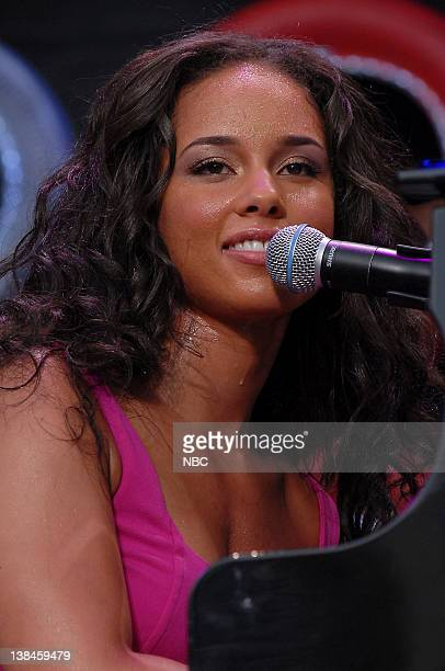 Singer/musician Alicia Keys performs on July 7 2007 Live Earth is a music event that will bring together more than 2 billion people to raise...