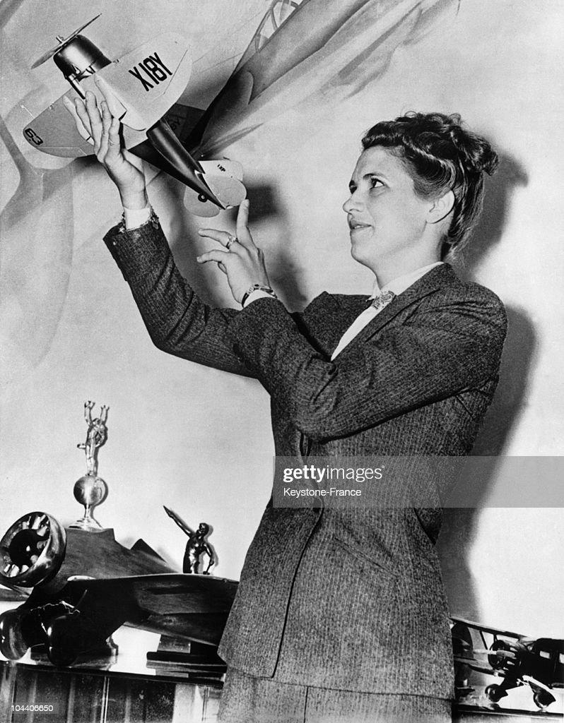 The American Pilot Jacqueline Cochran In 1939 : News Photo