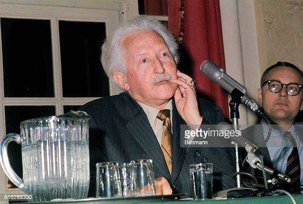 New York: Psychoanalyst Dr. Erik H. Erikson makes his acceptance speech tonight, during the National Book Awards ceremonies at Philharmonic Hall. Dr....