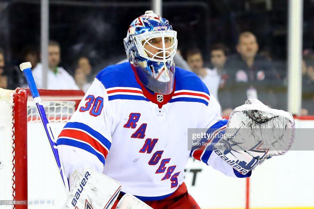 NHL: APR 01 Rangers at Devils : News Photo