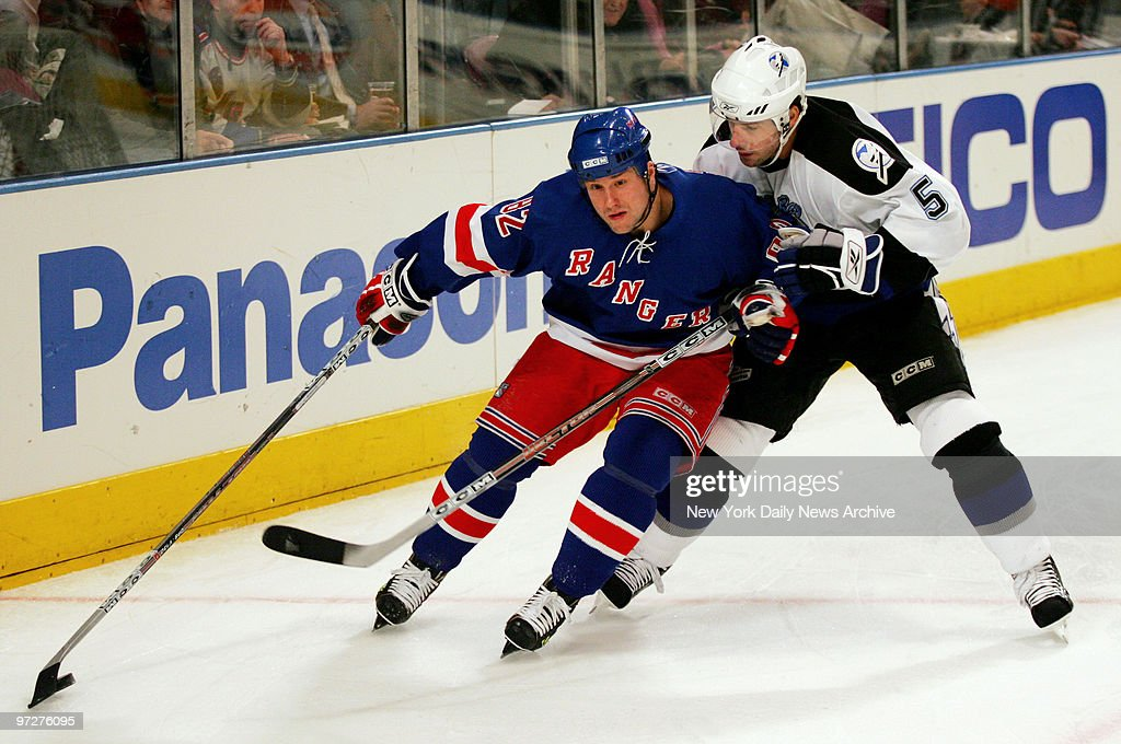 New York Rangersu0027 Martin Straka Is Chased By Tampa Bay Lightningu0027s Darryl  Sydor As He