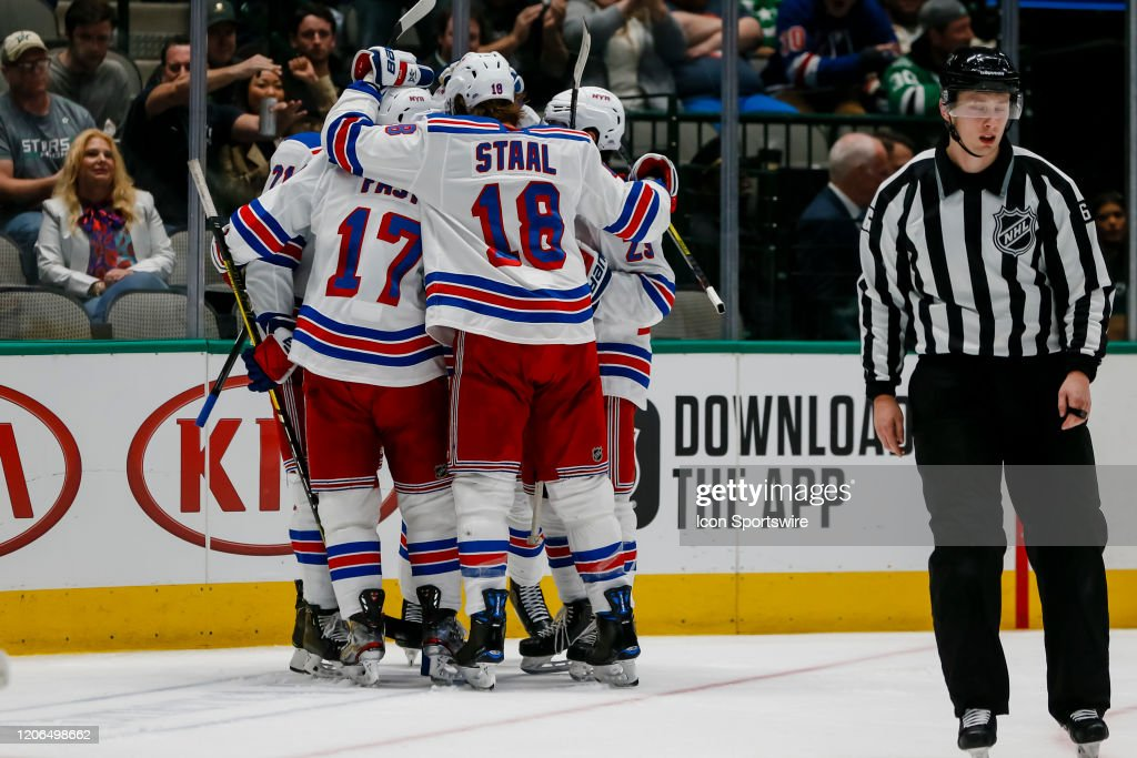NHL: MAR 10 Rangers at Stars : News Photo