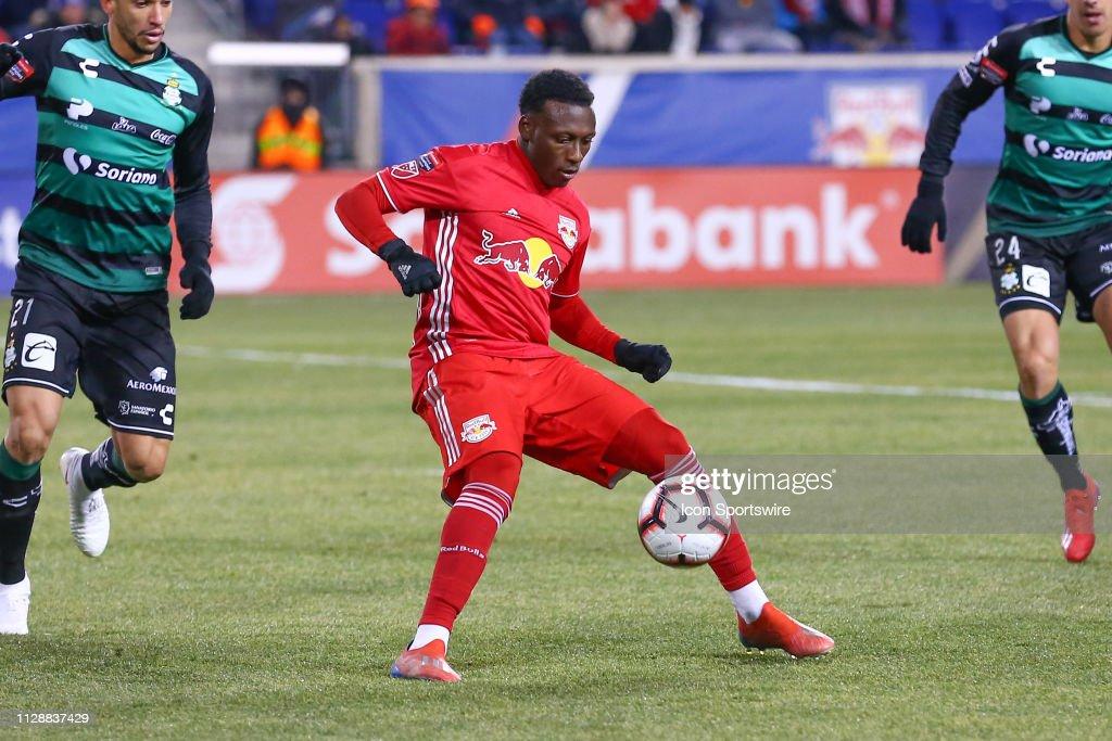 SOCCER: MAR 05 CONCACAF Champions League Quarterfinal - New York Red Bulls Santos Laguna : News Photo