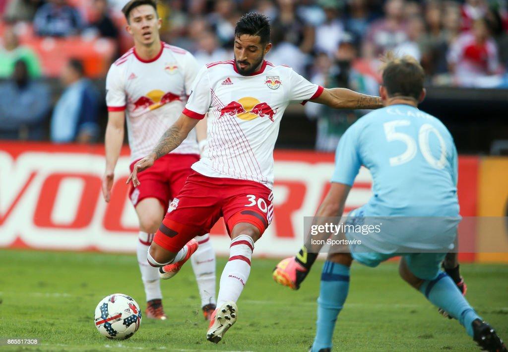 SOCCER: OCT 22 MLS - NY Red Bull at DC United : News Photo