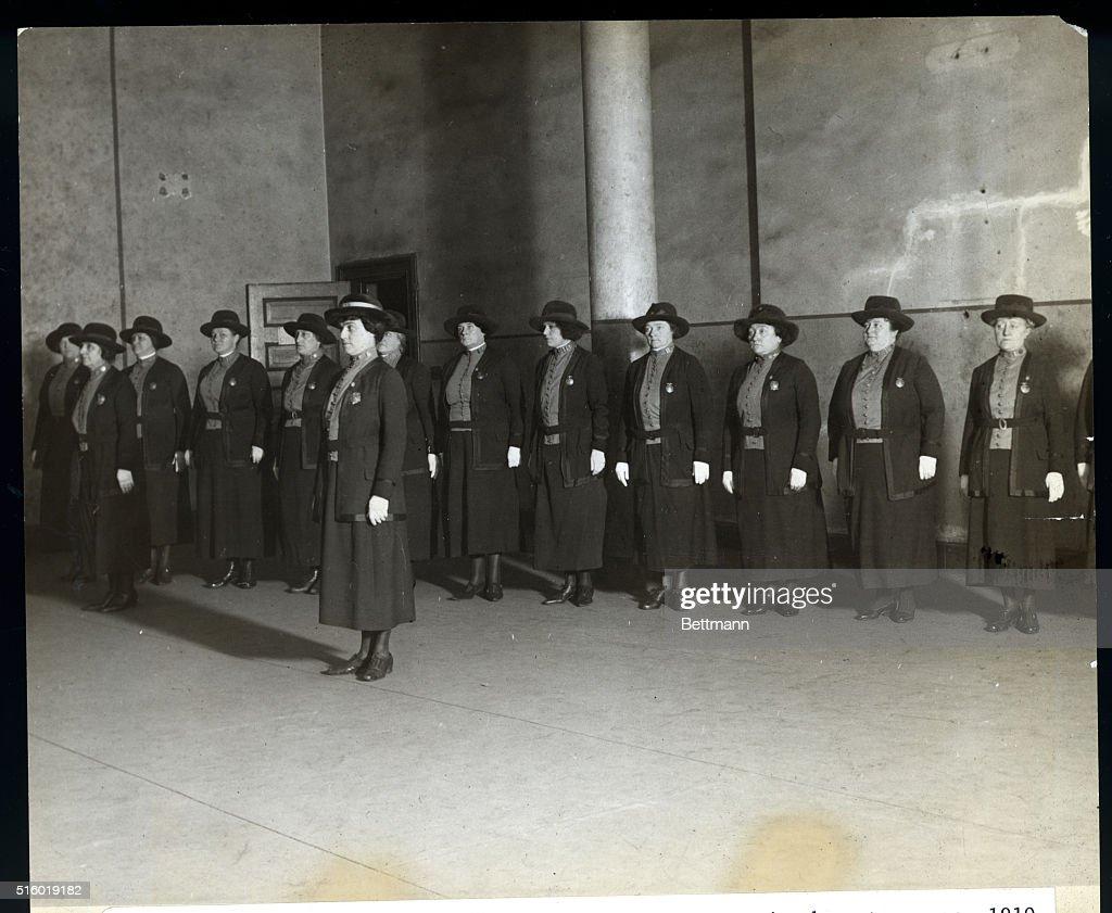 New York Reserve Policewomen Drill : News Photo