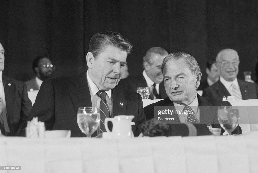 Ronald Reagan and David Rockefeller : News Photo