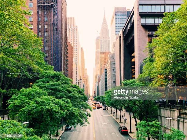 new york skyline at dawn, high angle view - umweltschutz stock-fotos und bilder