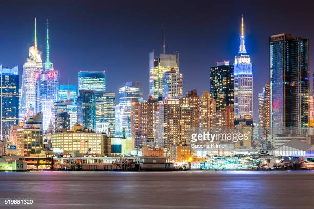 New York Skyline with vibrant Colors at Night