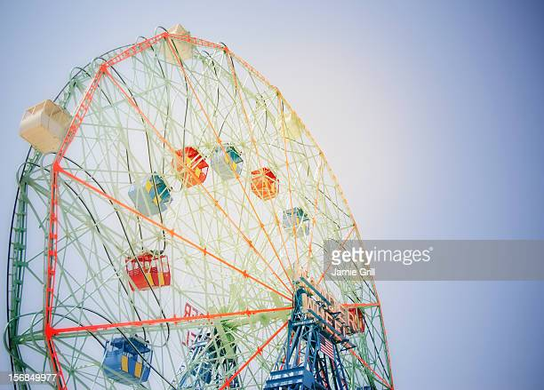 usa, new york state, new york city, brooklyn, coney island, ferris wheel in amusement park - coney island stock pictures, royalty-free photos & images
