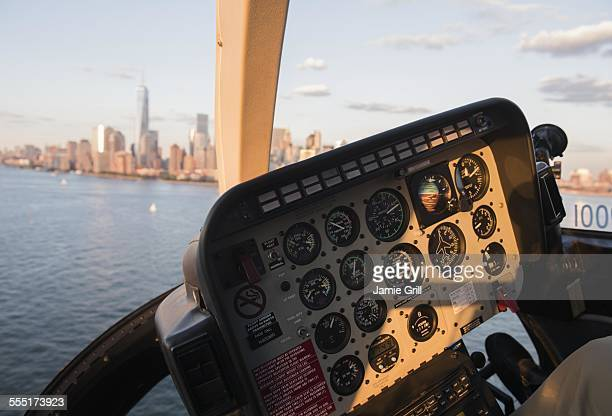 usa, new york state, new york city, cockpit in helicopter and manhattan skyline - inside helicopter stock pictures, royalty-free photos & images