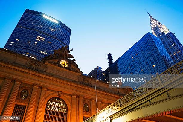 usa, new york state, new york city, grand central station, met life building and chrysler building at dusk - グランドセントラル駅 ストックフォトと画像
