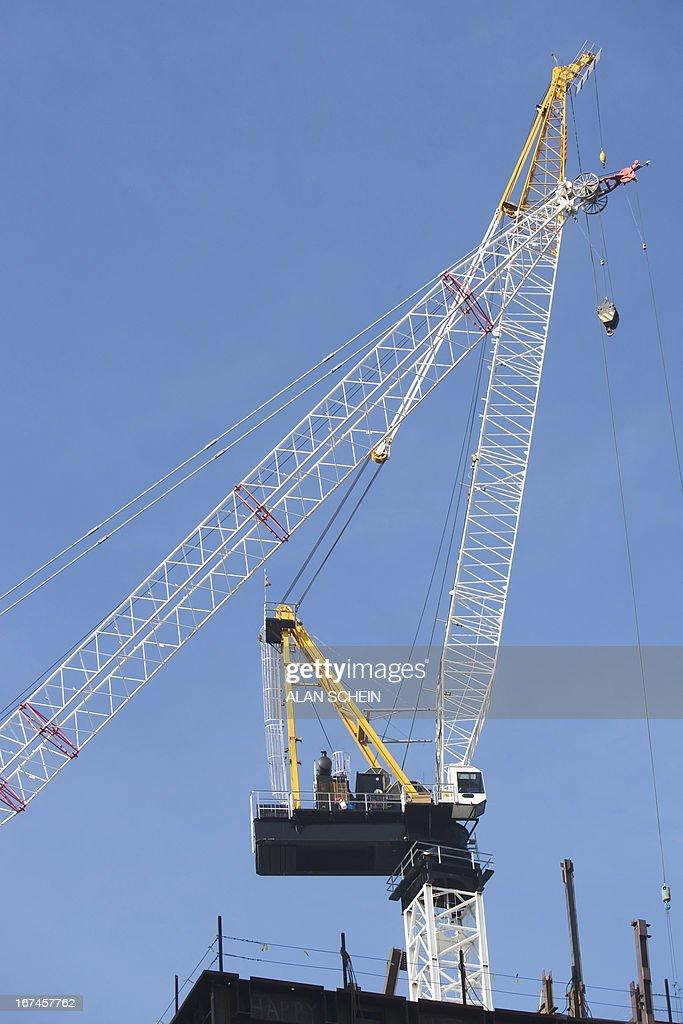 USA, New York State, New York City, Low angle view of crane  : Stock Photo