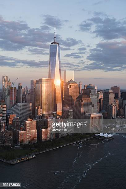 USA, New York State, New York City, Manhattan skyline at sunset