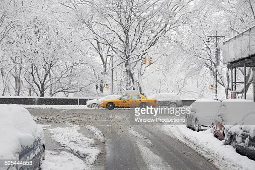 USA, New York State, New York City, Yellow taxi at winter