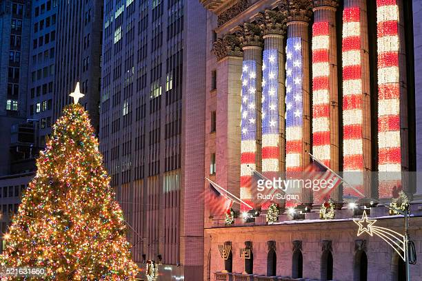new york stock exchange - patriotic christmas stock pictures, royalty-free photos & images