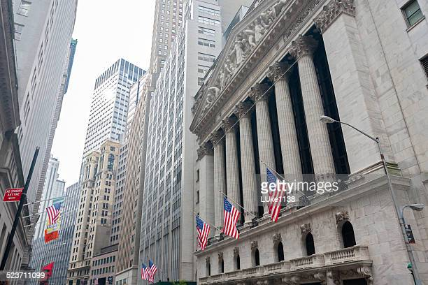 new york stock exchange - capitalism stock pictures, royalty-free photos & images