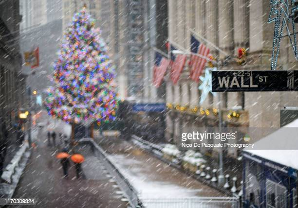 new york stock exchange, wall street, manhattan - wall street stock pictures, royalty-free photos & images