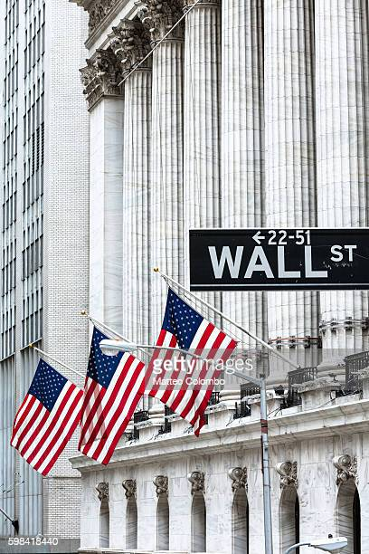 new york stock exchange, wall street, new york, usa - ウォール街 ストックフォトと画像