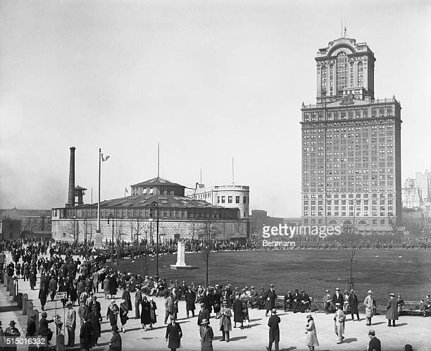 The New York Aquarium and the Whitehall Building of New York City