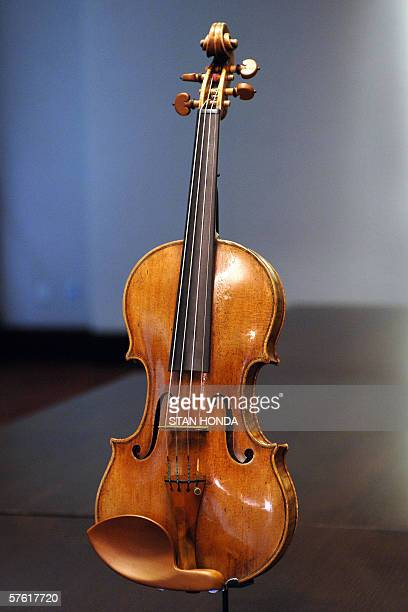 A violin made in 1707 by Antonio Stradivari known as 'The Hammer' is pictured 15 May 2006 at Christie's auction house in New York 'The Hammer' named...