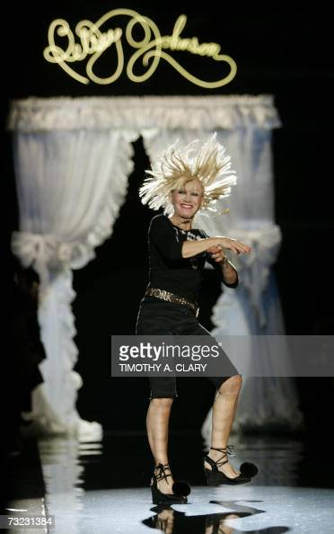 Designer Betsey Johnson Does A Cartwheel Down The Runway After Her News Photo Getty Images
