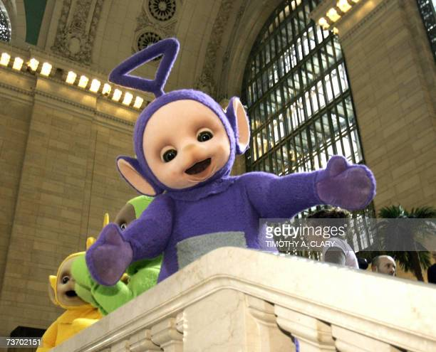 The world famous Teletubbies TinkyWinky Dipsy LaaLaa and Po pose on the balcony at Grand Central Station in New York 26 March 2007 as they arrive on...