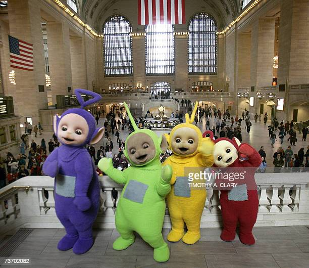 The world famous Teletubbies TinkyWinkyDipsy LaaLaa and Po pose on the balcony at Grand Central Station in New York 26 March 2007 as they arrive on...