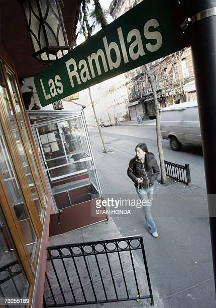 New York, UNITED STATES: TO GO WITH AFP STORY BY ALFONSO LUNA-EEUU-SPAIN-BARCELONA CONQUERS A PLACE IN THE HEART OF NEW YORKERS: Named after a street...