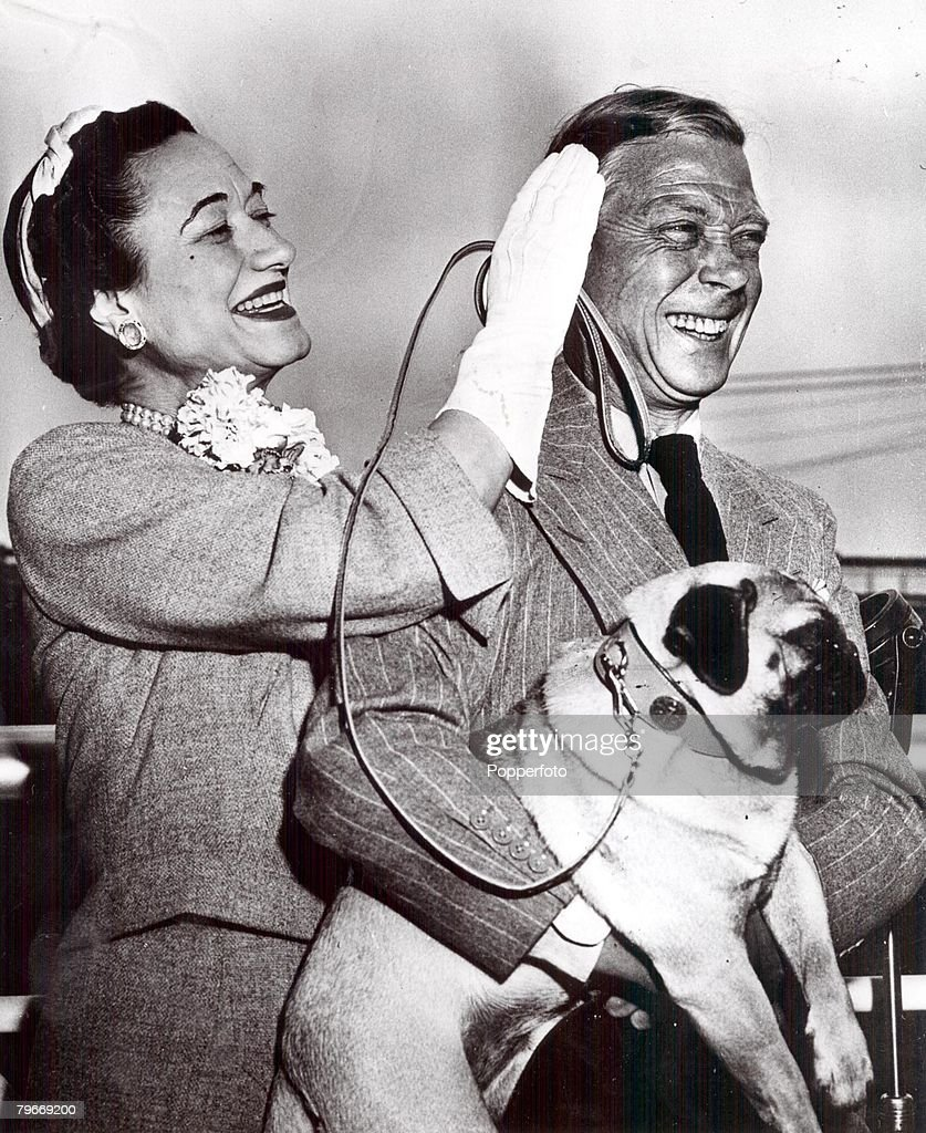 New York, USA, 24th May, 1953, The Duke and Duchess of Windsor (previously King Edward VIII and Mrs, Wallis Simpson) pictured with their dog Trooper as they sail on the liner United States for France : News Photo