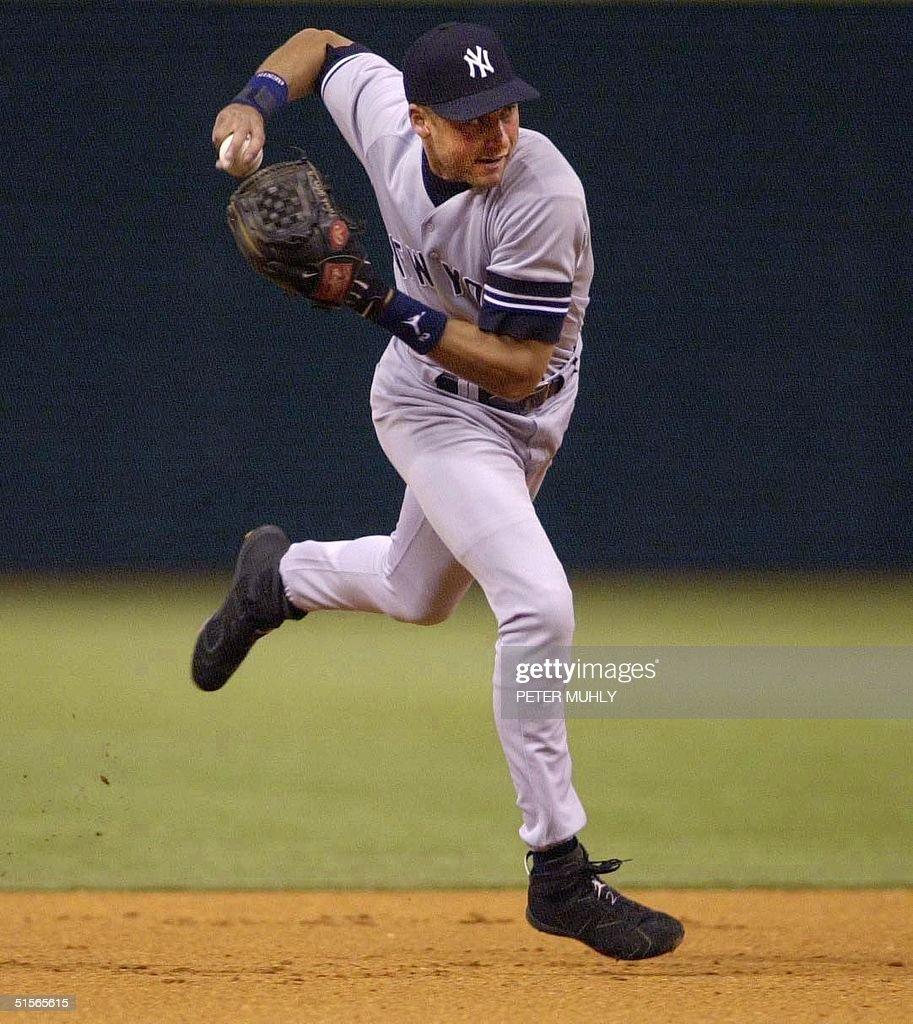 New York Yankees Derek Jeter Prepares To Throw News Photo