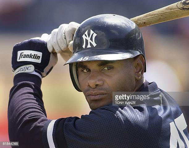New York Yankees out fielder Felix Jose warms up with his bat during batting practice before the start of the spring training game with the Detroit...