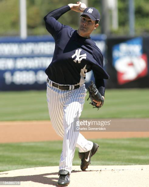 New York Yankees pitcher Mike Mussina warms up before taking on the Pittsburgh Pirates during a spring training game on March 18 2007 at Legends...