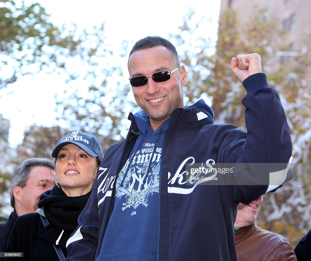 New York Yankees shortstop Derek Jeter and girlfriend Minka Kelly attend 2009 New York Yankees World Series Victory Parade on November 6, 2009 in New York City.