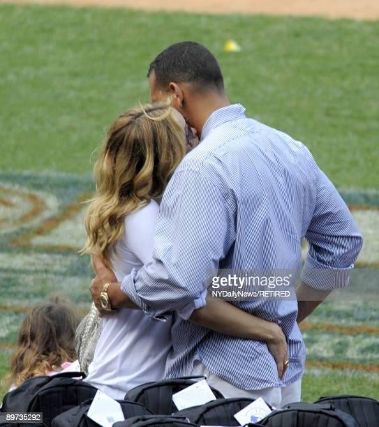New York Yankees slugger Alex Rodriguez and actress Kate Hudson embrace at Yankees Family Picnic Day July 25 2009 in New York City