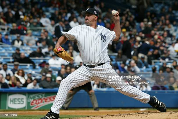 New York Yankees' starting pitcher David Wells pitches a 20 shutout against the Minnesota Twins at Yankee Stadium