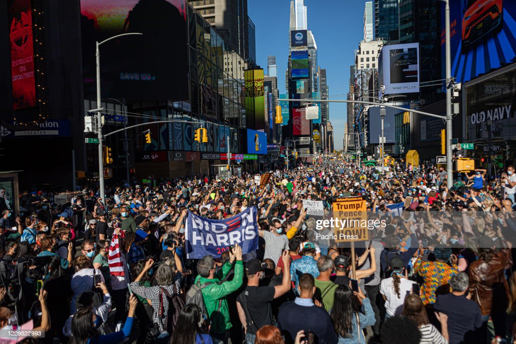 New Yorkers flooded the streets to celebrate the election... : News Photo