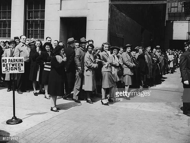 New Yorkers queue up for their free smallpox vaccinations after twelve cases were reported in the state April 1947