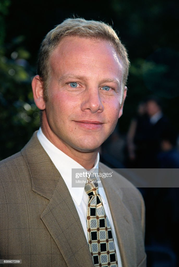 Actor Ian Ziering played Steve Sanders on Beverly Hills, 90210 for ten years. He has found recent success as Fin Shepard in the horror comedy sci-fi mashup series Sharknado.