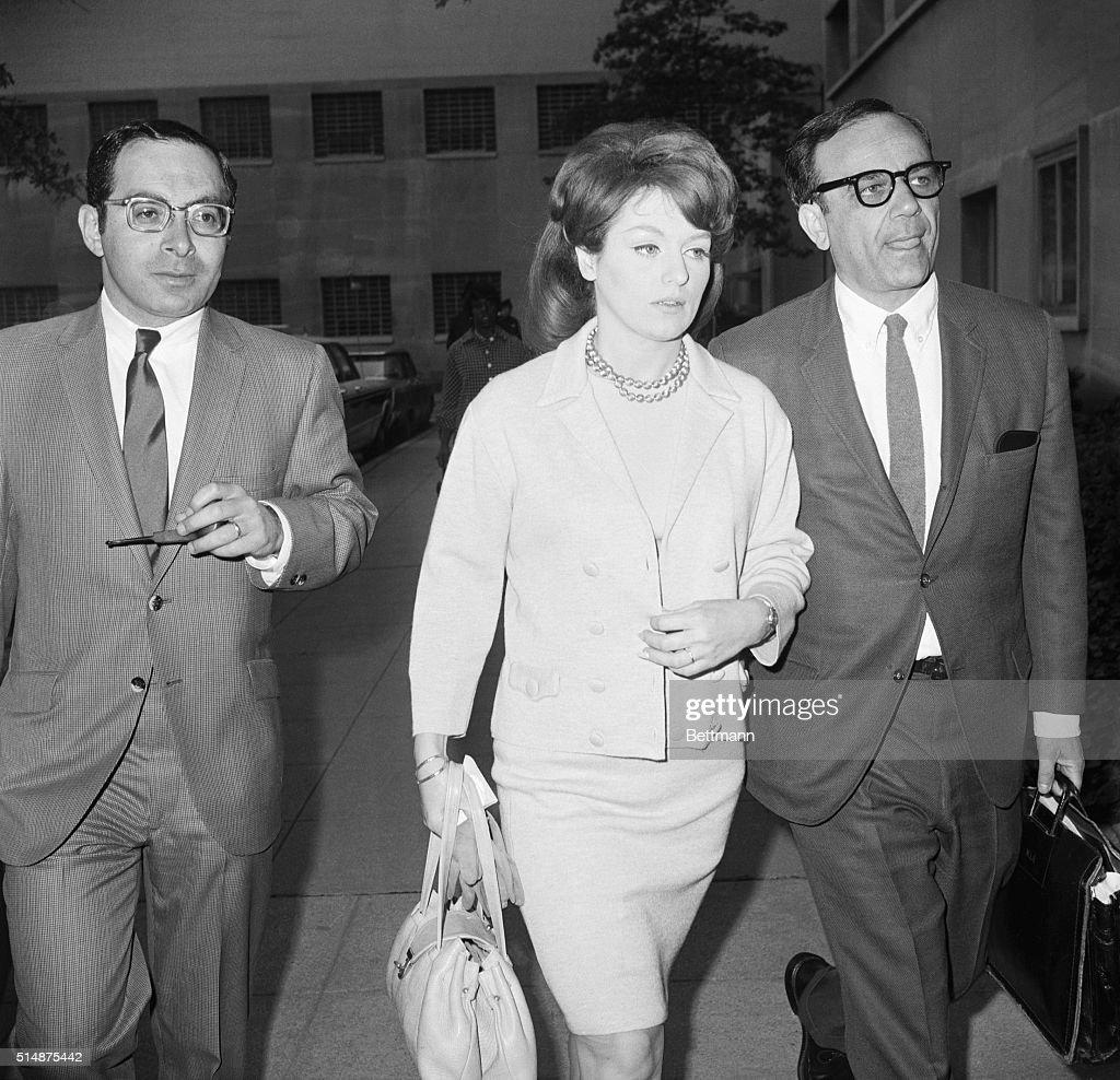 Mrs. Crimmins And Her Lawyers : Foto di attualità