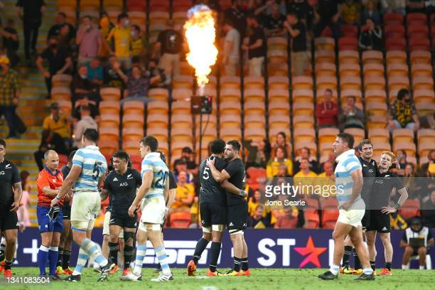 New Zealand celebrate the win during The Rugby Championship match between the Argentina Pumas and the New Zealand All Blacks at Suncorp Stadium on...