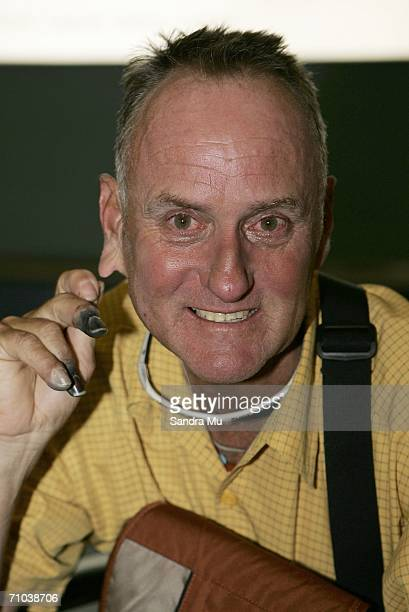 New Zealand climber Mark Inglis a doubleamputee arrives at Auckland International airport after returning from Kathmandu May 25 2006 in Auckland New...