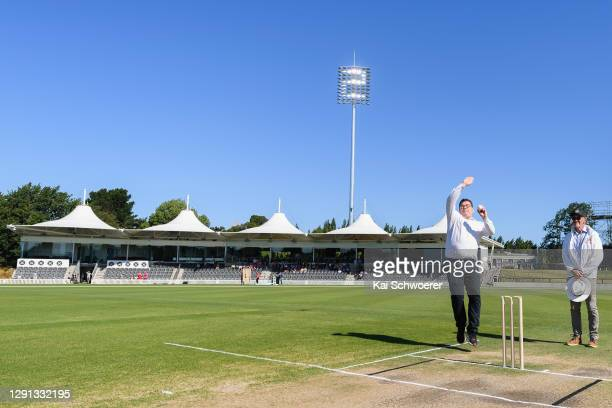 New Zealand Deputy Prime Minister Grant Robertson bowls the first ball under lights to be ever played at Hagley Oval during the ICC Women's Cricket...